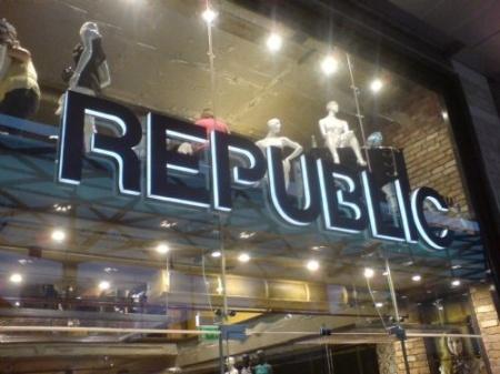 Illuminated Letters Shop Signs London - Republic Retail Shop