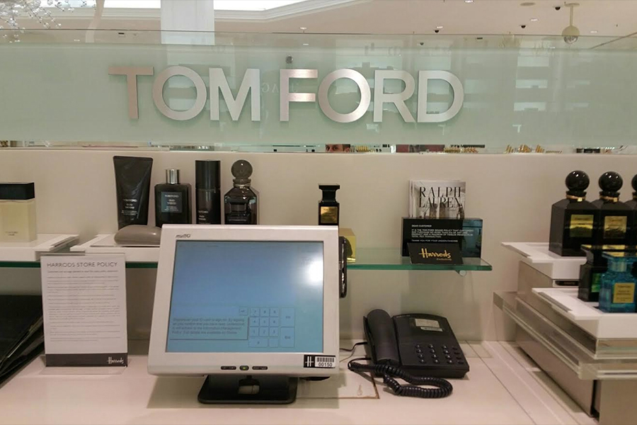 Corporate Retail Signage, Harrods - Tomford counter close up